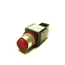 NEW ALLEN BRADLEY 800MR-B6 SER A MOMENTARY CONTACT PUSH BUTTON RED