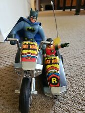 RARE VINTAGE 70S BATMAN ROBIN MOTORCYCLE  BATCYCLE SIDECAR BATTERY OPERATED TOY