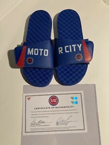 Derrick Rose Player Worn Sandals Number 25 Rare Detroit Pistons