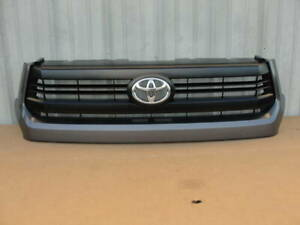 719078. Toyota Tundra 2014-2017 14 15 16 17 Front Bumper Grille Assy 53100-0C300