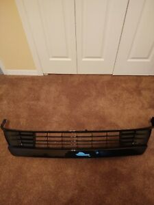 OEM Toyota 2012 2013 14 2015 Prius Plug-in Front Bumper Lower Grille