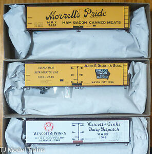 Accurail HO #8079 Morrell, Decker, Wescott & Winks (Meat Packers) Reefers