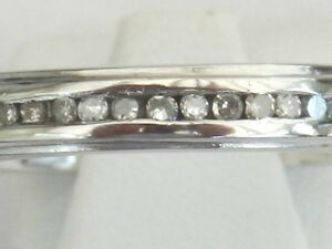 PRETTY PLATINUM DIAMOND HALF ETERNITY RING. SIZE Q . Item A3634