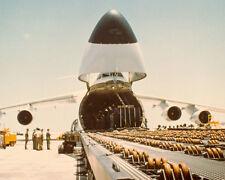 C-5 GALAXY RECEIVING CARGO 8X10 PHOTO VIETNAM WAR 1970