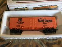 HO Scale Santa Fe Box Car 25077 The Grand Canyon Line Bachmann