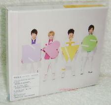 J-POP News News 2013 Taiwan CD+DVD+16P Ltd Ver.A (compass WORLD QUEST Greedier)