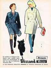 PUBLICITE ADVERTISING  1962   BOUSSAC BLIZZAND  par RENE GRUAU  manteaux impermé