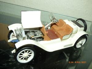 Unbekannt - 1:24 -  Stutz PKW - gebauter Bausatz mit Motorhaube auf