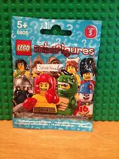LEGO SERIES 5 .SNOW BOARDER BRAND NEW SEALED