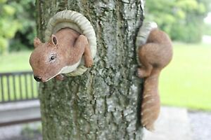Red Squirrel Tree Hugger Peeker Novelty Animal Branch Garden Decor Ornament