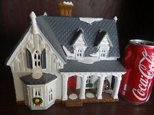 Department 56 54046 Snow Village Gothic Farmhouse Architecture Series (Bldg 17)