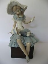Lladro Figurine Cathy and Her Doll # 1380 Biberon a la Muneca Mint condition