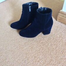 Navy Leather Upper Rubber Sole New with Tags Woodsman Women's Boots CS-6867