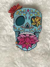 Broche pins badge skull crâne mexicain fleurs lotus original plastique acrylique
