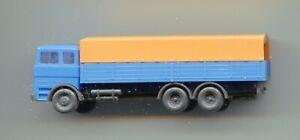 Soft top lorry    by WIKING    N Gauge