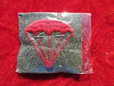 USMC Parachutist Airborne Distinguishing Mark Striker Red on green wool + tag