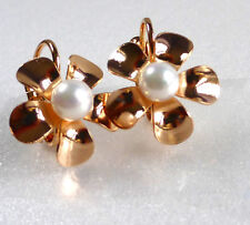 18K Yellow Gold Plated White Shell Pearl Flower Lady Women Leverback Earrings