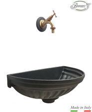 Fontana a muro colore grigio ghisa con rubinetto brunito per casa e giardino