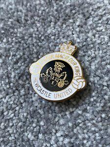 Vintage Newcastle United Enamel Badge - Super Mac Is Our King