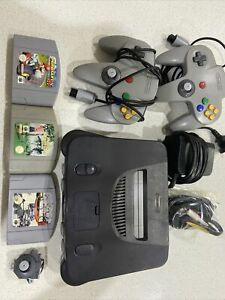 Nintendo 64 System Grey Console With Mariokart 64, F1 And Golf Games