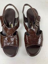 SAS Sandals Heels Womens 8 1/2 M Brown Faux Crocodile Print Ankle Strap Tripad