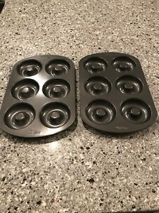 2 Wilton Non-stick 6-Cavity Donut Baking Pan easy clean up spray - Used once