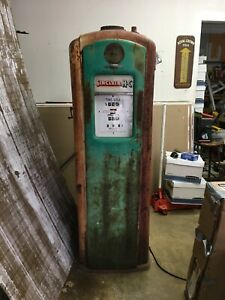 Vintage Bennett Gas Pump