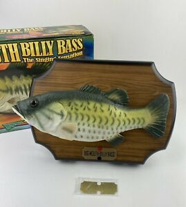 2000 Big Mouth Billy Bass Singing Fish Take Me to the River Don't Worry Be Happy