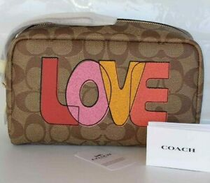 NWT COACH C2891 Boxy 20 Cosmetic Case Love Graphic Signature Khaki Chalk Multi