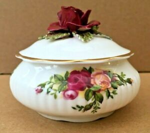 ROYAL ALBERT Old Country Roses Fine Bone China Trinket, Ring, Pill Pot. With Lid