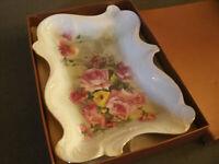 Bellissimo VASSOIO + Box Dec.Fiori, Rose e Foglie 20x30 cm h 4 cm Ceramica