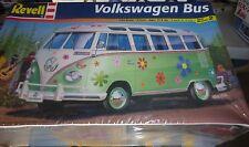 REVELL VW VOLKSWAGEN BUS VAN Model Car Mountain 1/25 FS