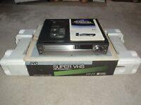 JVC HR-S5800 High-End S-VHS Videorecorder in OVP, inkl. FB&BDA, 2 Jahre Garantie