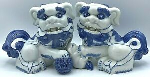 """Vintage Pair of Chinese Blue & White Foo Dogs Lions Porcelain Figures 6.5""""x8""""x5"""""""
