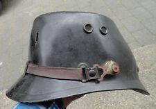 Militaria-Helme & -Kopfbedeckungen der DDR (ab 1945)