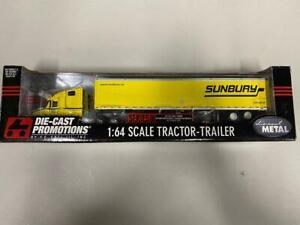 """DCP 30372 """"Sunbury"""" Freightliner w/Trailer 1:64 Die-cast Promotions First Gear"""