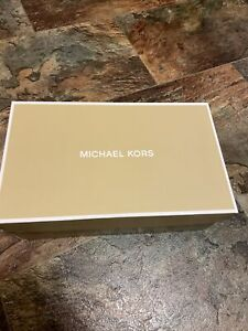 NEW Women's MK Michael Kors Leather Plate Thong Flat Sandals in Luggage size 6.5