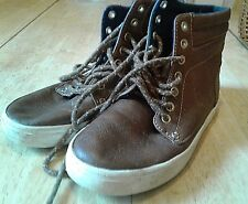 OLD NAVY BROWN LACE-UP HIGH-TOP SPORT/HIKING/OUTDOOR BOOTS/SHOES-BOYS SIZE 1