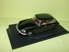 CITROEN DS 21 PRESTIGE 1972 UNIVERSAL HOBBIES sur socle 1:43