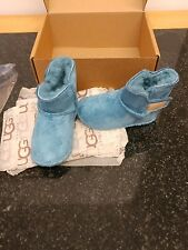 baby uggs new 0-8 months