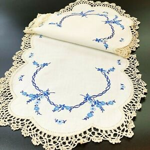 Blue Daisy Garlands Hand Embroidered Cream Linen Table Runner Doily 32x88cm