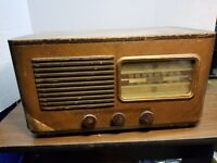 Vintage 1945 RCA Victor Model 55F Battery Operated Wooden 5-tube Radio - Parts