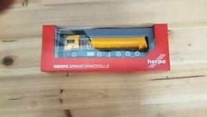 "Herpa 311915 - 1/87 Man Tgs LX C Thermomulden-Sattelzug "" Max Bedda "" - Nuovo"