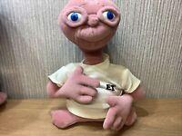 Universal Studios ET Soft Toy Plush 11 Inch Collectable Alien T-shirt Rare