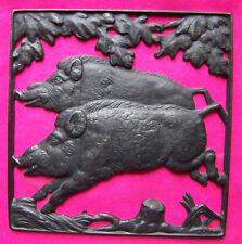 Altes Gussbild gemarkt Lauchhammerguss Wildschweine