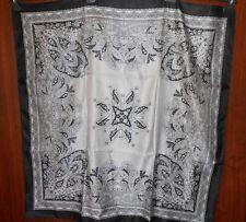 foulard satin GUY ST HONORE noir/gris imprimé cachemire 90 x 90 cm - neuf