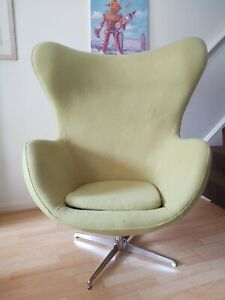 LARGE VINTAGE 6OS SWIVEL EGG CHAIR IN GREEN WOOL.EXCELLENT CONDITION.RETRO CHIC