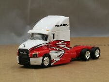 dcp/Maisto white/red Mack Anthem tractor no box 1/64