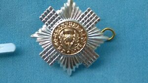Staybright/Anodised.The Scots Guards Sergeants cap badge.
