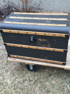 Antique Flat Steamer Trunk Coffee Table End Table
